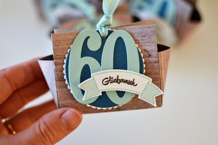 60 geburtstag ideen zum geburtstag geschenk geburtstag mann geschenke 60 geburtstag frau 60 geburtstag geschenk selbstgemacht grüßkarte mit blauen zahlen 60