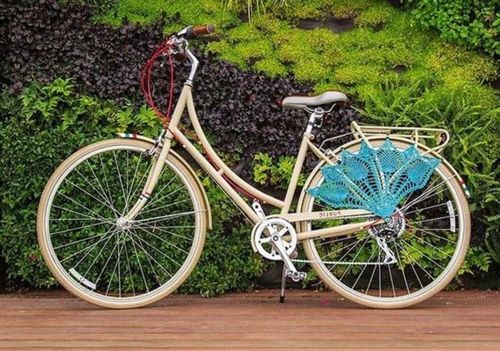 60 geburtstag mama ideen zum 60 geburtstag geschenk zum 60 geschenke zum 60 geburtstag frau geburtstag 60 mann fahrrad schenken weißer fahrrad im park