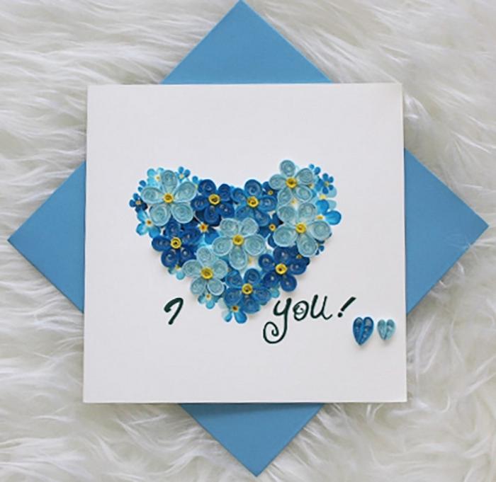 bastelideen muttertag schöne muttertagsgeschenke geschenk für mama basteln mit kindern grußkarte herz basteln mit blumen blau
