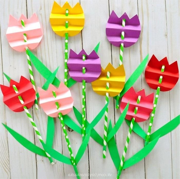 basteln für muttertag geschenk für mama basteln mit kindern geschenke für mama selber machen blumen aus papier basteln tulpen aus papier und strohhalm