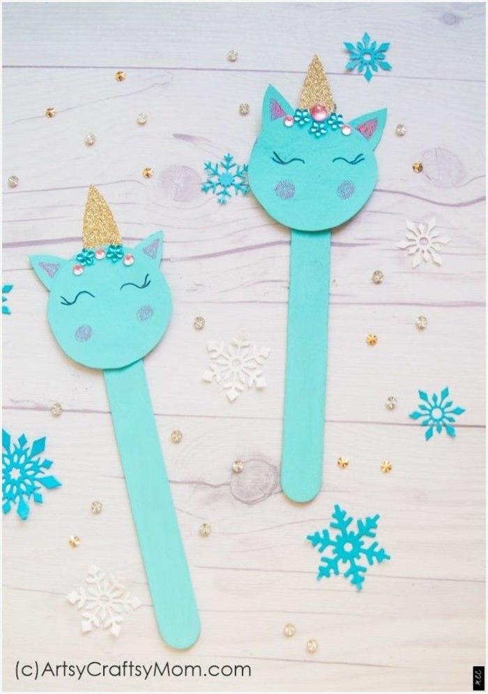 blaue einhörner aus eisstielen bastel inspiration für kinder und erwachsene basteln mit holzstäbchen upcycling idee