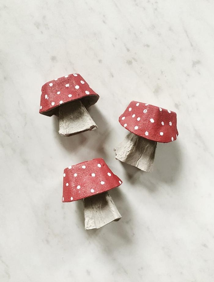deko pilze diy dekoration frühling deko basteln aus eierkarton bastelideen für kinder und erwachsene