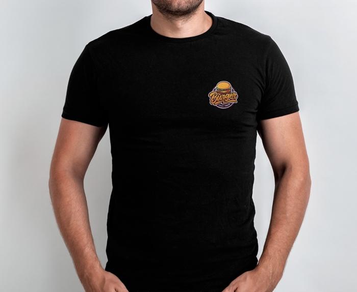 die besten geschenke für männer für jeden anlass schwarzes t shirt mit aufnäher