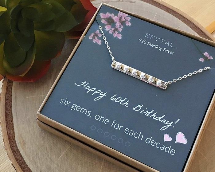 geschenk 60 geburtstag frau geschenke zum 60 geburtstag frau geschenke zum 60 geburtstag kette aus silber mit kristallien notizen