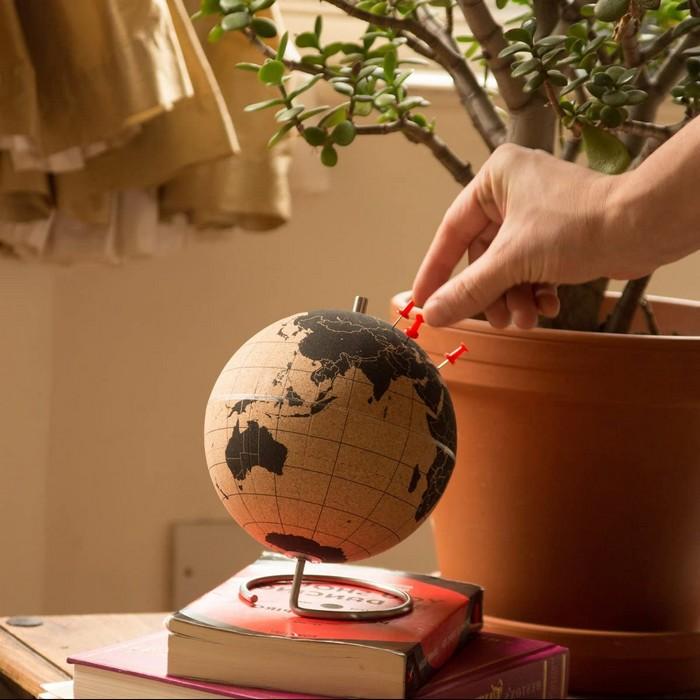 geschenk zum 60 lustige geschenke zum60 geburtstag geschenke zum 60 60 geburtstag frau globus aus kork orte anstechen reiserichtungen auswählen