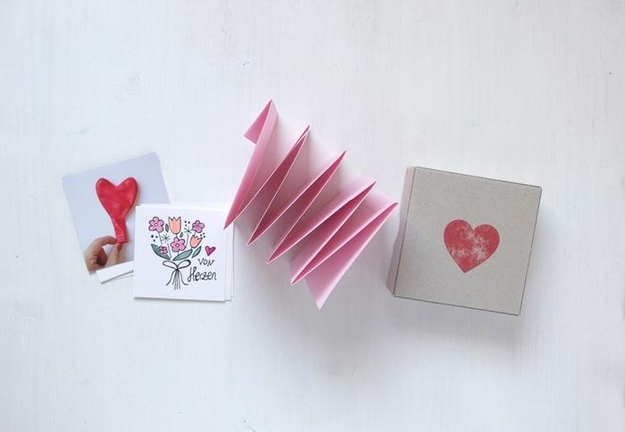 geschenke für mama selber machen geschenk für mama basteln mit kindern leporello fotobuch selber machen bastelideen muttertag mit anleitung rosa