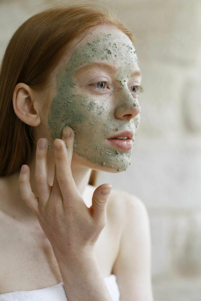 grüne gesichtsmaske mittel gegen pickel mit hausmitteln richtige gesichtspflege mitesser entfernen