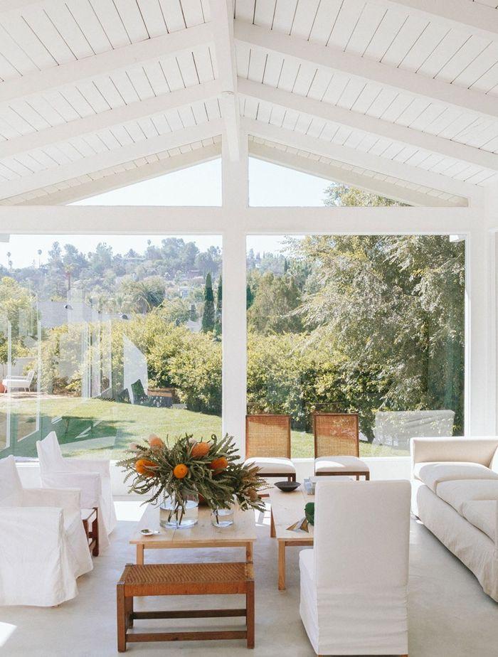 holzdecke weiß steichen wohnung einrichten einrichtungtipps wohnzimmer gestalten ideen moderne deko