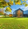 holzhaus oder massivhaus bevorzugen vorteile nachteile bio solar haus de holzhaus in der wald grüne wiese zwei holzhäuser