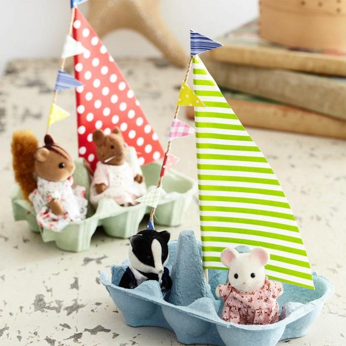 kinderspielzeuge selber machen basteln aus eierkarton boot aus papper für tiere basteln für kleinkinder