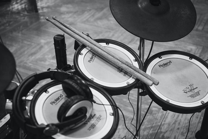 musikzimmer gestalten einrichtungtipps musik lärm isolieren schallschutz ideen