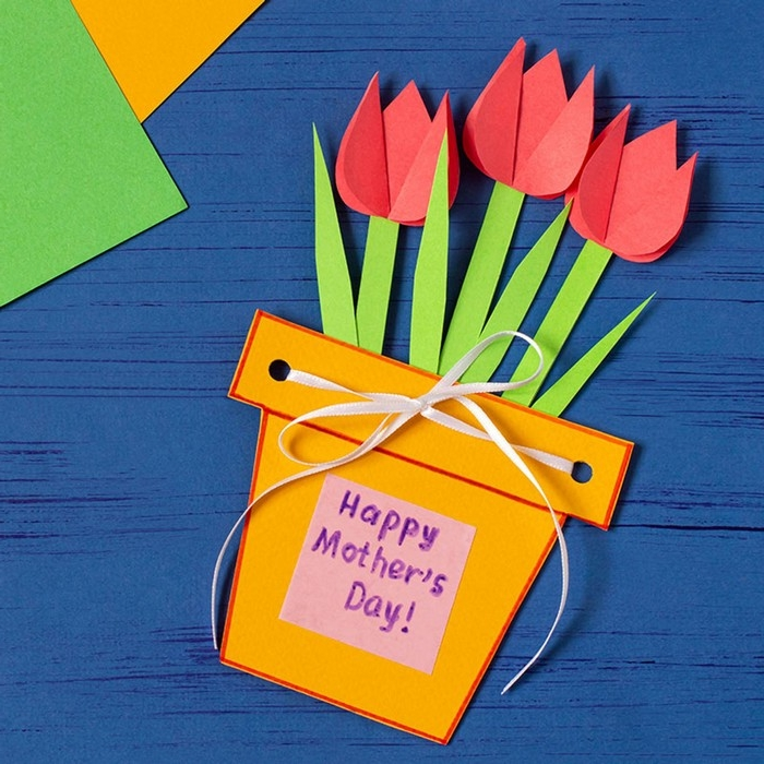 muttertag basteln basteln zum muttertag blumen aus papier basteln geschenke für mama selber machen rote tulpen aus papier basteln mit gelbem blumentopf