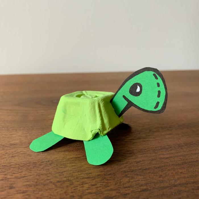 schildkröte aus eierpappen selber machen originelle bastelideen tiere aus pappe selber machen