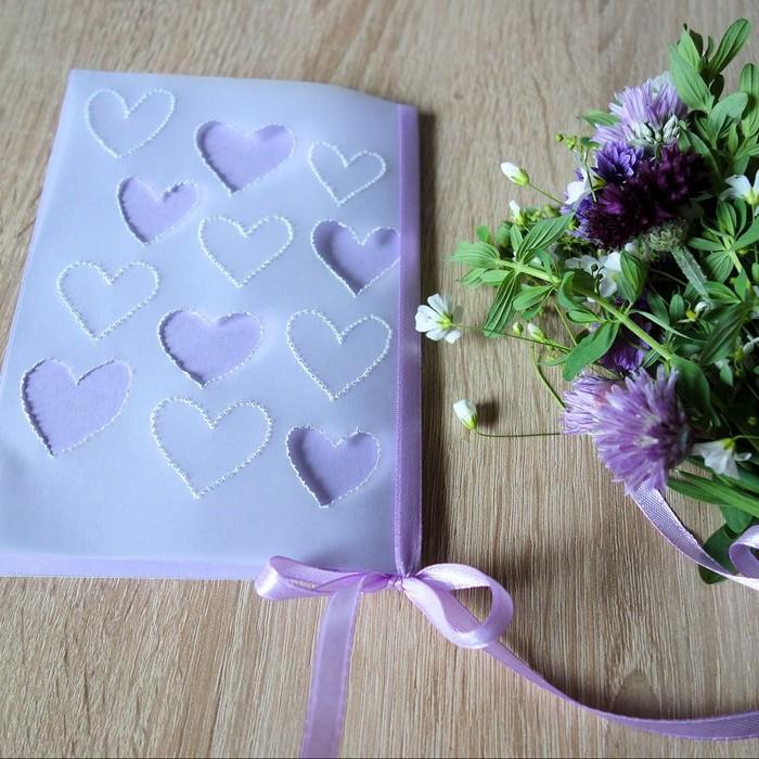 schnelles geschenk für mama basteln muttertagsgeschenke ideen grußkarte blau mitblauen herzen basteln blumenstrauß