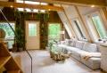 Ein Weg für einen kleinen Raum: Wie kann man in einem Holzhaus erfolgreich sein?