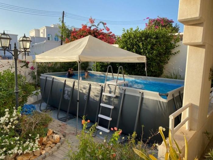 großen pool im garten aufstellen