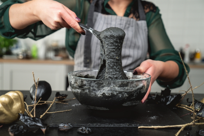 15 zubereitung von schwarzem teig für halloween brötchen kürbisbrot backen schnell und einfach