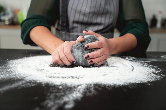18 teig für brötchen kneten gruselige halloween rezepte kürbisbrot mit frischer hefe selber machen