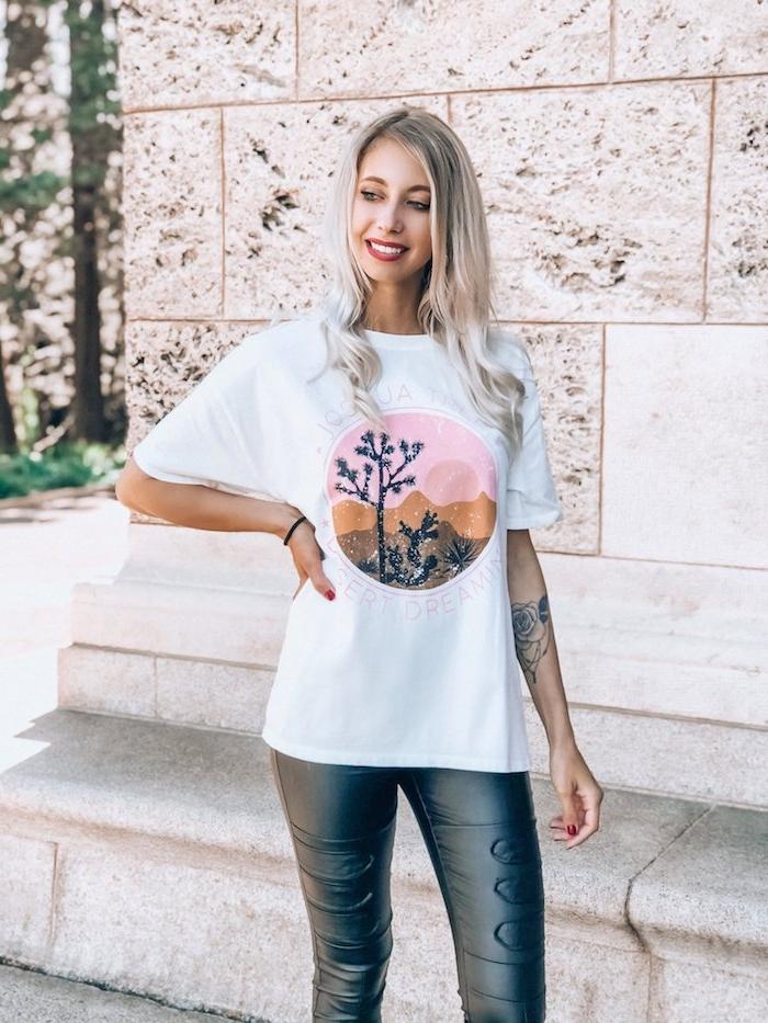 5 ausgefallene t shirts damen weißes t shirt mit print schwarze leggins coole t-shirts für damen