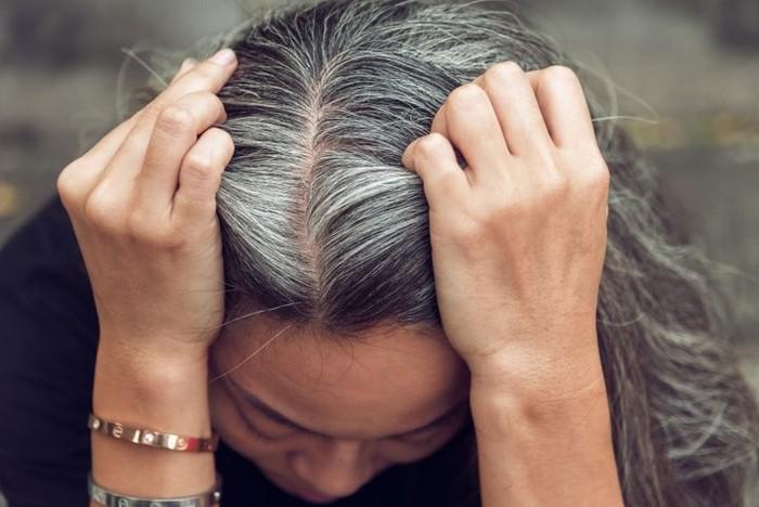 aschblond balayage grau haare färben welche farbe frau mit grauem haar