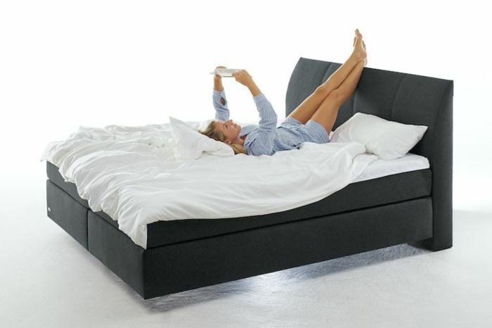 boxspringbett matratze weiße bettwäsche bett mit matratze kaufen infos