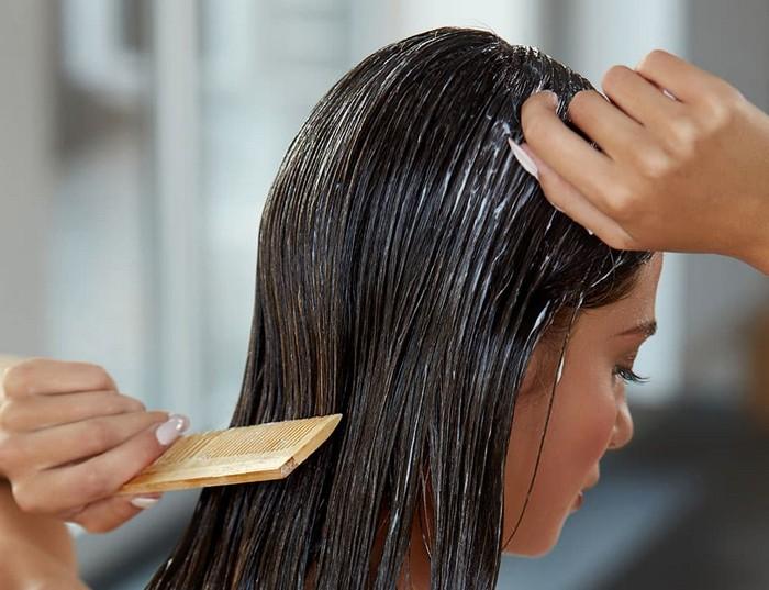 braune haare färben haar farben haaransatz färben frau lange haare shampoo kämt sich
