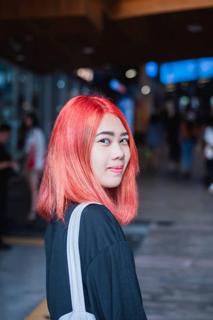 dame mit roten haaren einfache frisuren für anfänger mittellanges haar selber machen mit anleitungen