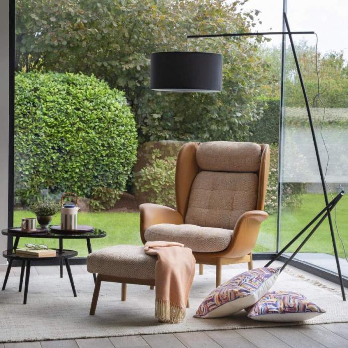 fußhocker aus holz beige polsterung viereck hocker couch mit hocker beige zum stellen tisch garten möbel habitat design de