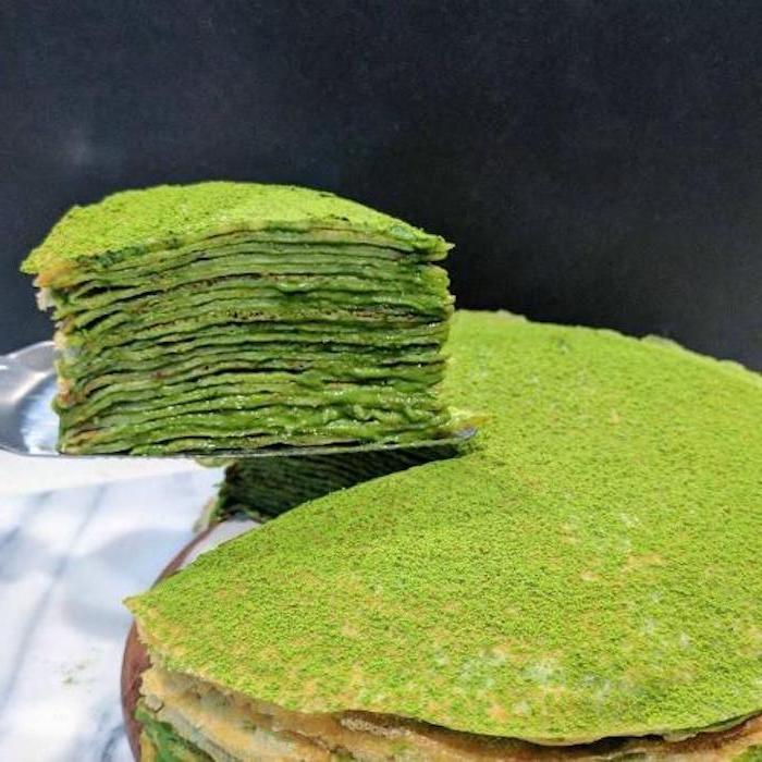 gefüllte pfannkuchen mit spinat herzhafte pfannkuchen vegetarisch grüne pfannkuchen torte mit spinat grüner tee