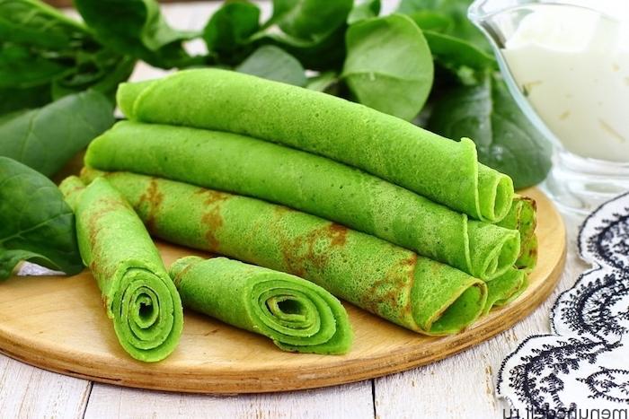 gefüllte pfannkuchen rezept pfannkuchen spinat feta dünne pfannkuchen vegetarisch gerollt frischer spinat