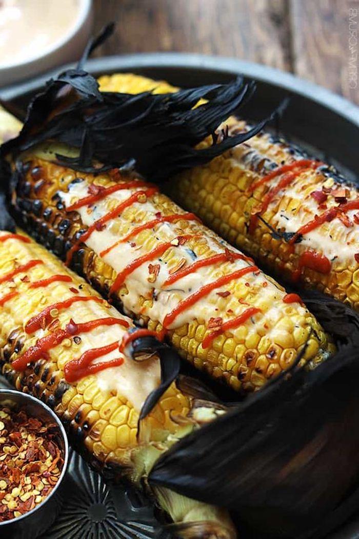 gegrillter mais mit maio und ketchup kalte beilagen zum grillen schnell gemacht rezepte mit mais richtig grillen