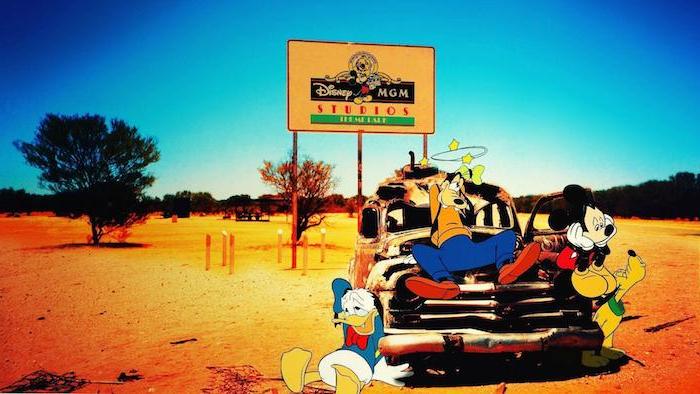 goofy donald duck pluto auf einem auto disney cartoon hintergrundbilder kostenlos wild wild west hintergrund