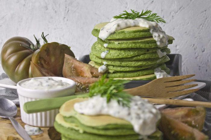 gpfannkuchen spinat grüne halloween pfannkuchen füllung für pfannkuchen joghurt creme grüne tomaten petersilie