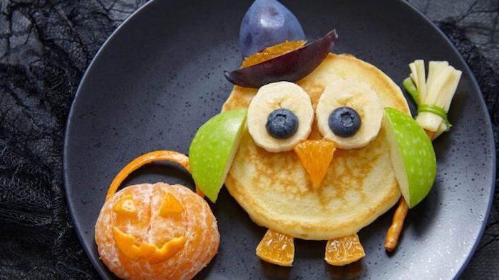grüne halloween pfannkuchen gefüllte pfannkuchen mit spinat kleine pfannkuchen uhu lustig halloween