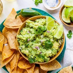 Hier verraten wir Ihnen unser einfaches Guacamole Rezept