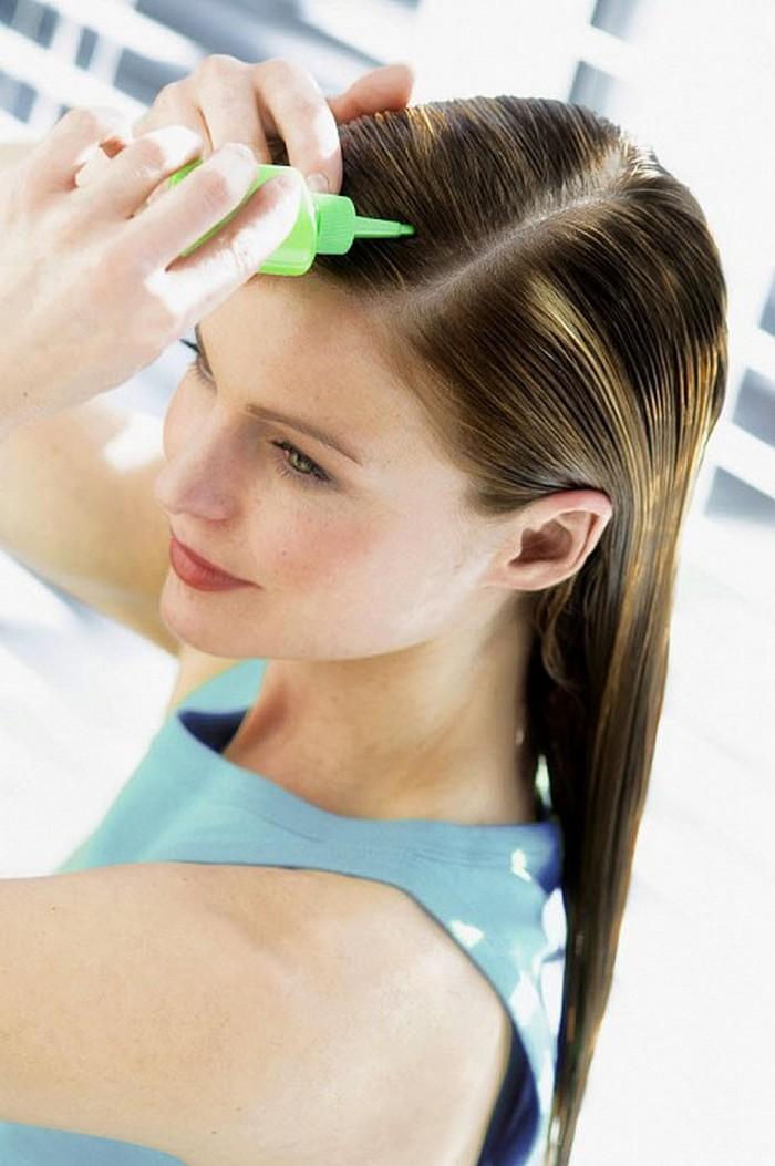 haare färben idden haaransatz färben untere haare färben mittelblonde haare haare selber färben frau mit haarfarbe blaue bluse