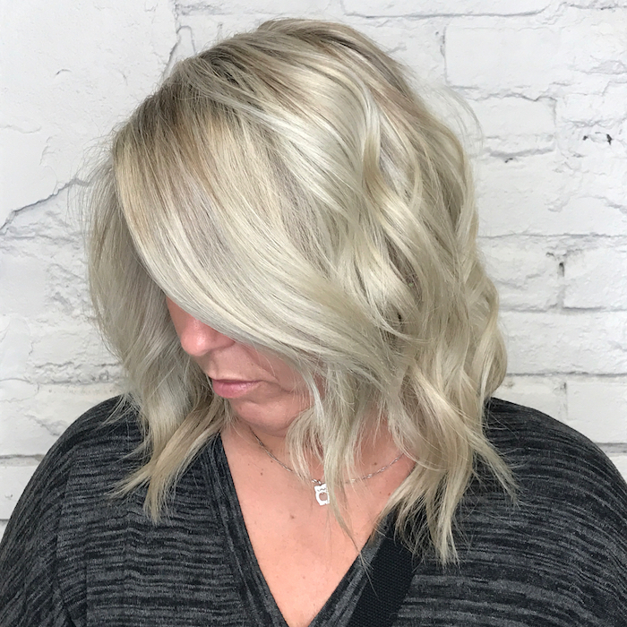 kurzhaarfrisuren damen 2021 kurzhaarfrisuren 2021 frech grau frisuren damen halblang frau mittellange hare silber asche blond
