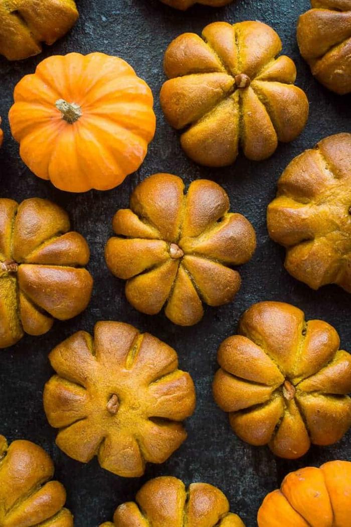 leckere backideen zu halloween rezept kürbisbrot in kürbisform leichte rezepte zum selber machen