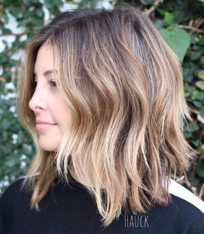 moderne frisuren frauen braune haare mit blonden strähnen mittellange haare style ideen für frisuren