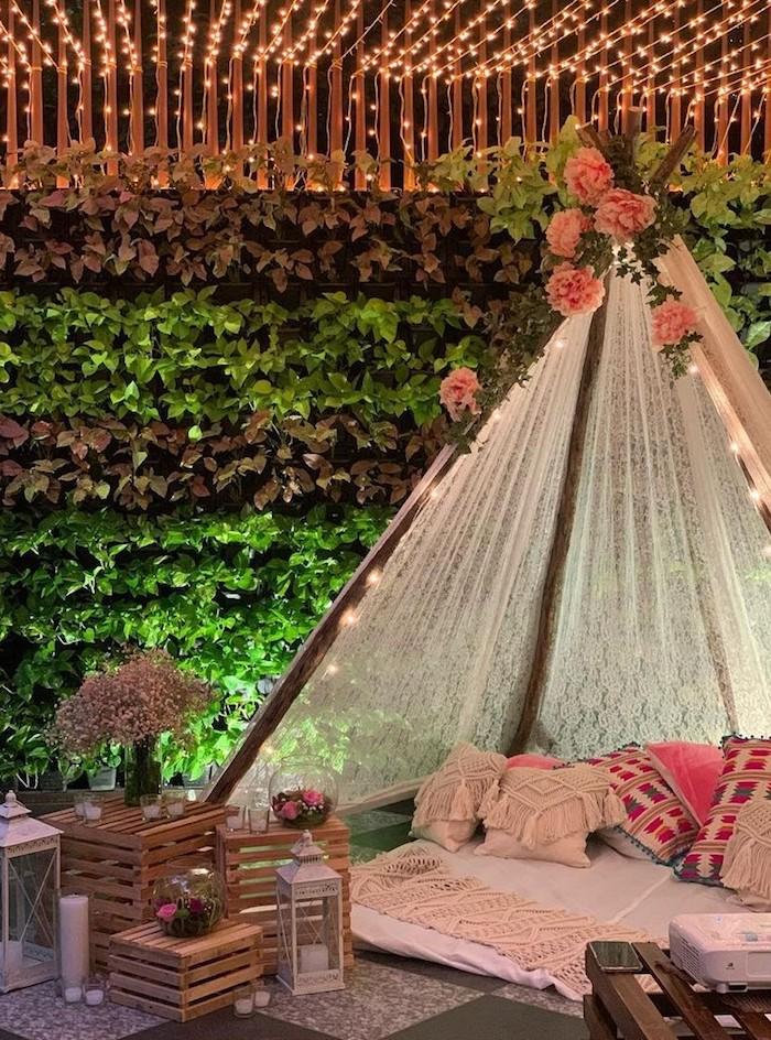 romantische beispiele gartengestaltung boho zelt dekoriert mit pinken rosen einrichtung garten ideen und inspiration