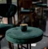 runder hocker polsterhocker rund malaichit grüne polsterung kaffee tasse habitat design metal beine cafe