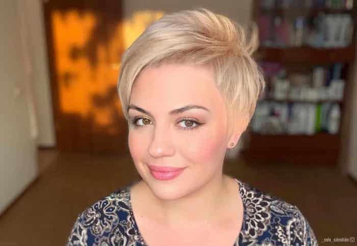 short hair for round faces sehr kurze haare pixie schnitt pixie cut rundes gesicht blonde haare pixie cut
