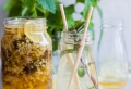 Heute verraten wir Ihnen unser einfaches Holunderblütensirup Rezept