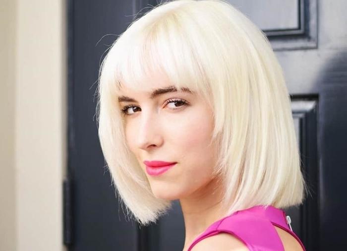volumenschnitt für feines haar blonde schulterllange haare mit pony ponyfrisur ideen