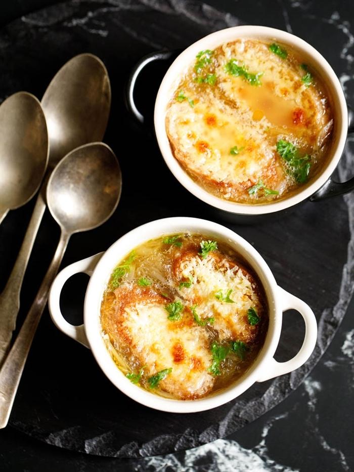 zwiebelsuppe französisch suppen rezepte gesund essen köstiche speise mit zwiebel