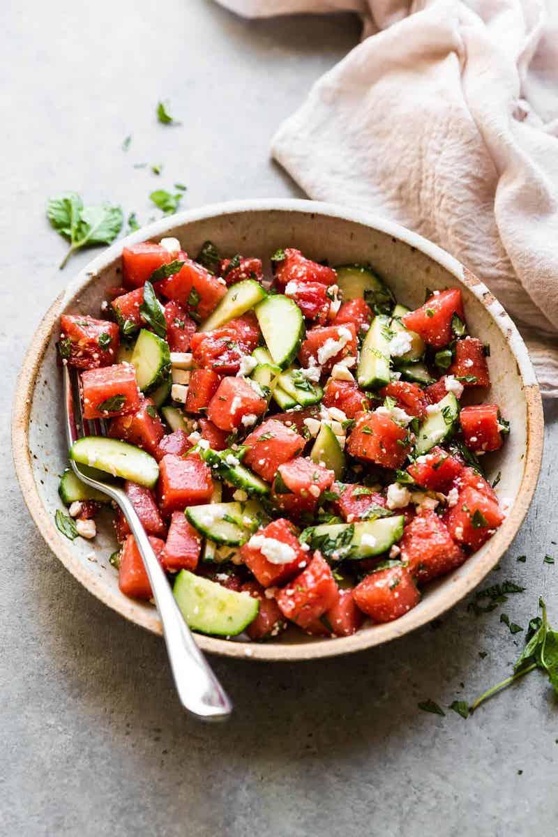 abendessen ideen salat mit wassermelone und gurken inspo
