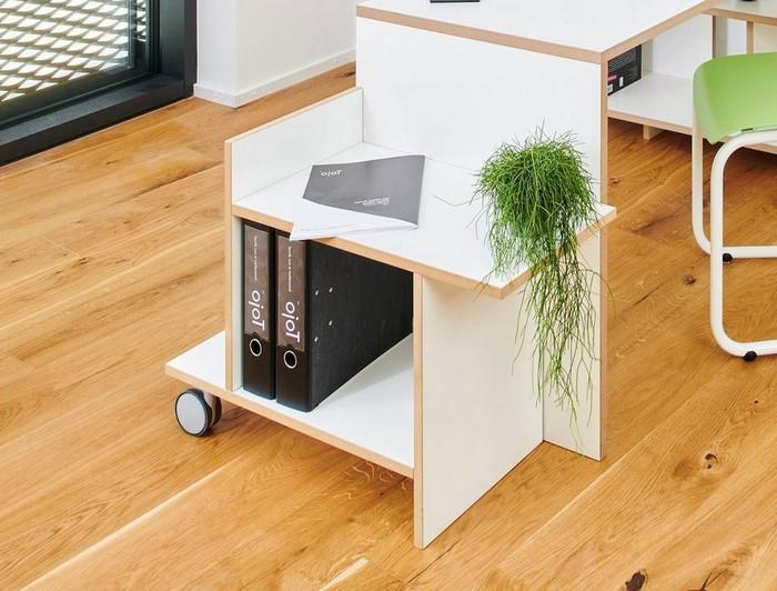 büro einrichten ideen büro zuhause gestalten mobiler dokumentenschrank mit schwarzen ordnern holzboden