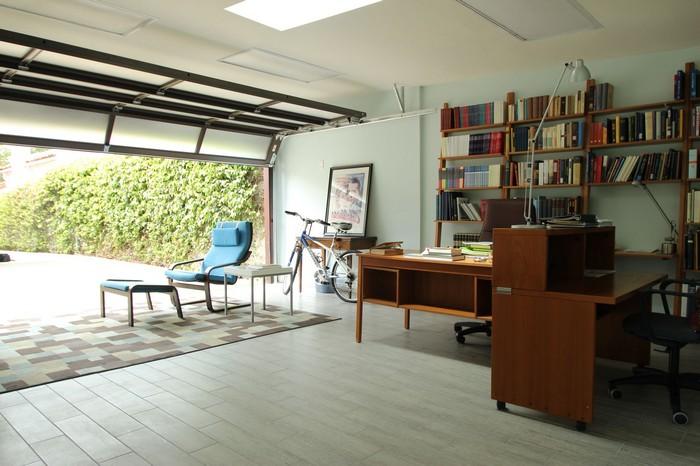 büro einrichten ideen home office organisieren büro gestalten garage als home office einrichten großer schreibtisch in garage