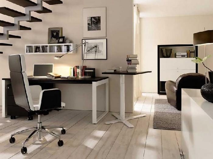 büro im wohnzimmer einrichten schreibtisch organisieren kleines büro einrichten arbeitsraum unter den treppen stellen schwarz und weiß