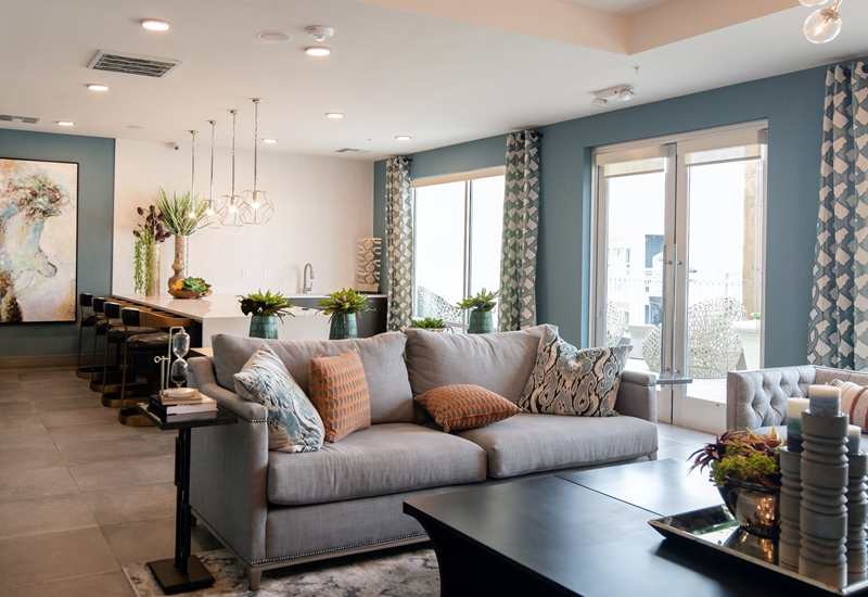 deko aus kunstgras im wohnzimmer raumteiler gras